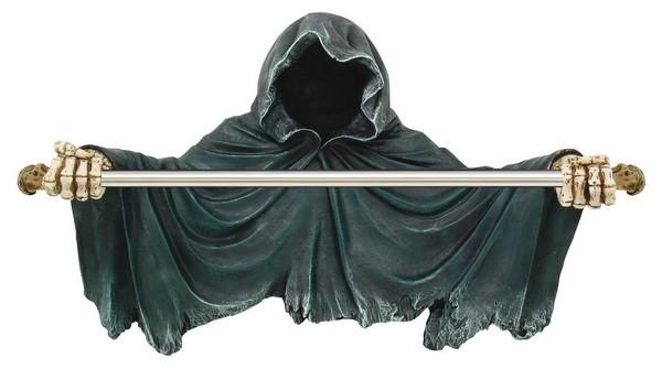 *Tod ohne Gesicht als Handtuchhalter