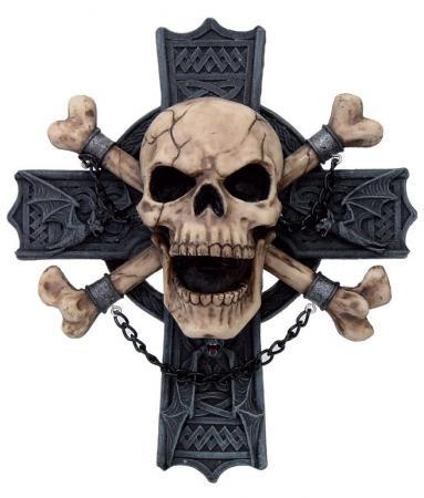 Totenkopfrelief am Kreuz