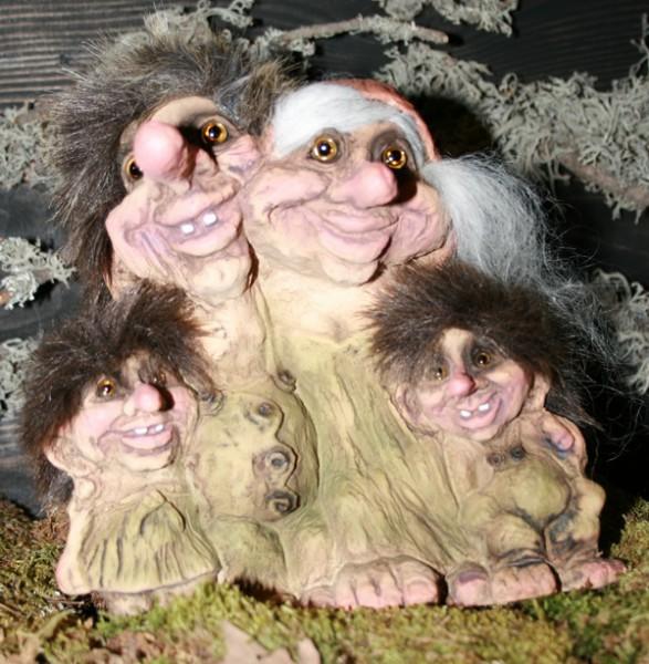 Trollfamilie mit 2 Kindern